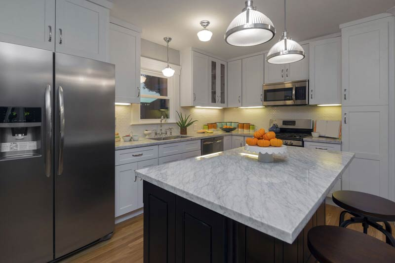 Granite Countertops Light on dark 6